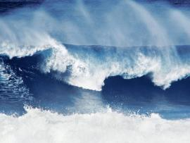 Natural Big Wave Quality Backgrounds