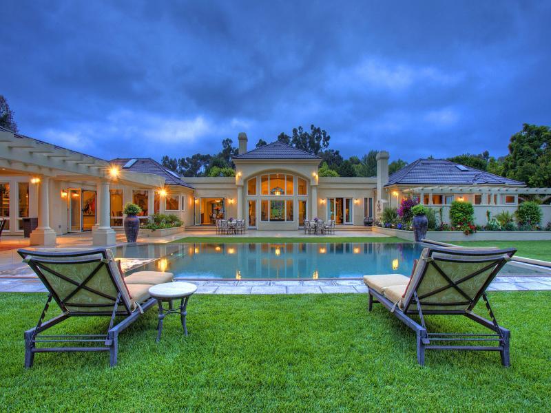 Real Estate Backgrounds