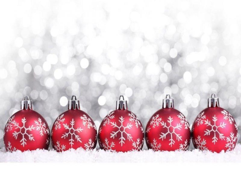 Red Christmas Ornaments Clipart Backgrounds For Powerpoint Templates
