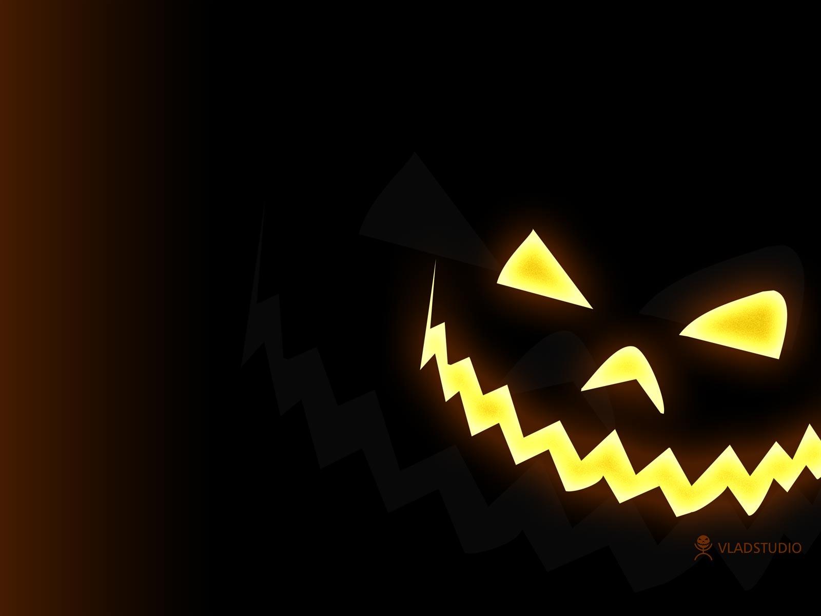 Free Desktop Halloween Design PPT Backgrounds